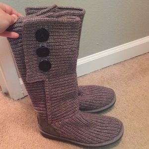 ugg grey knit boots - size 6
